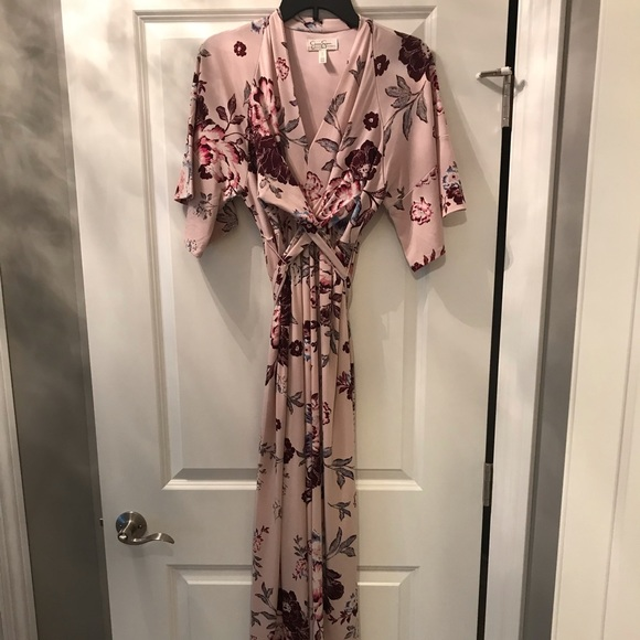 Jessica Simpson Dresses & Skirts - Floral Maternity Dress